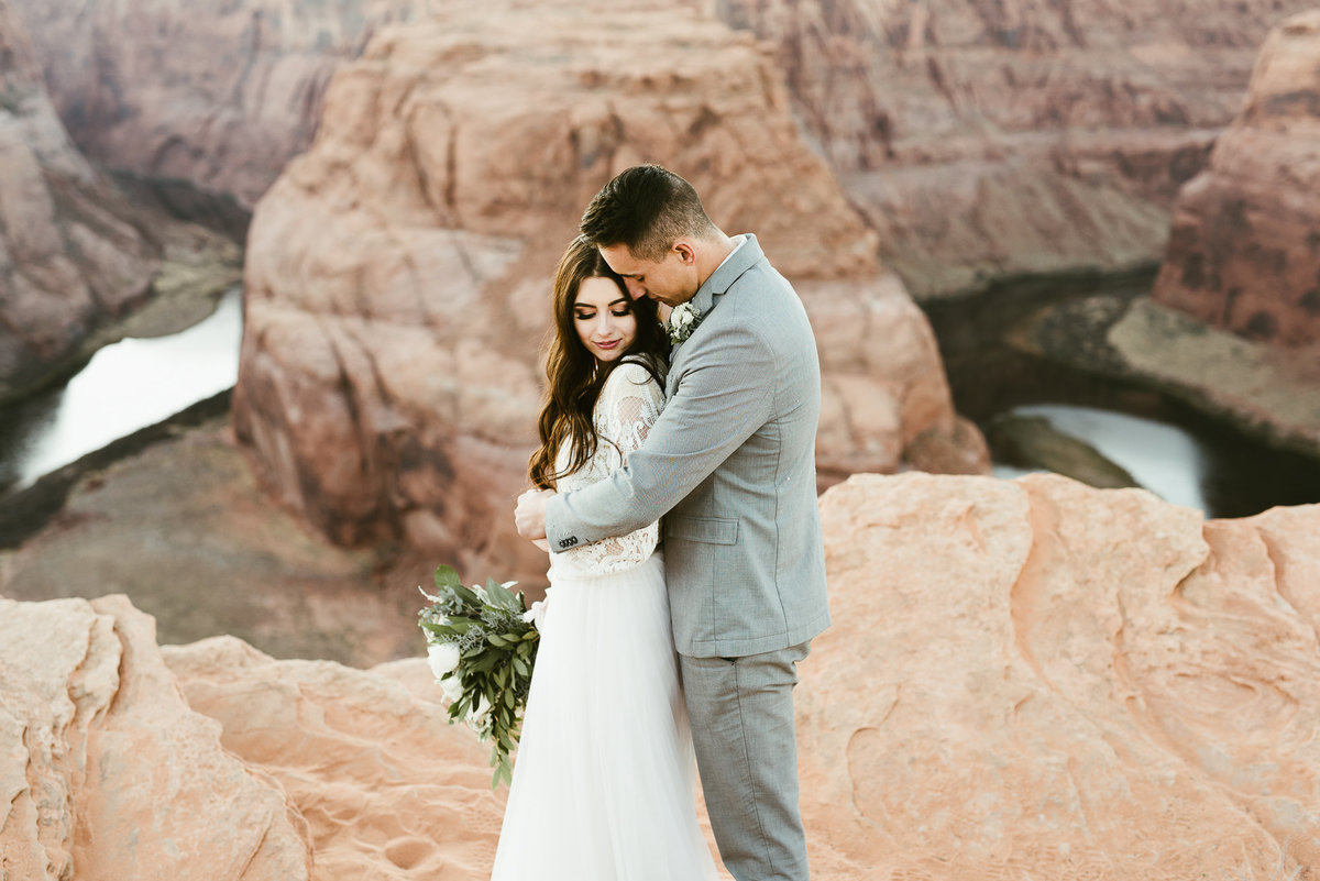elopement-at-horeseshoe-bend-35