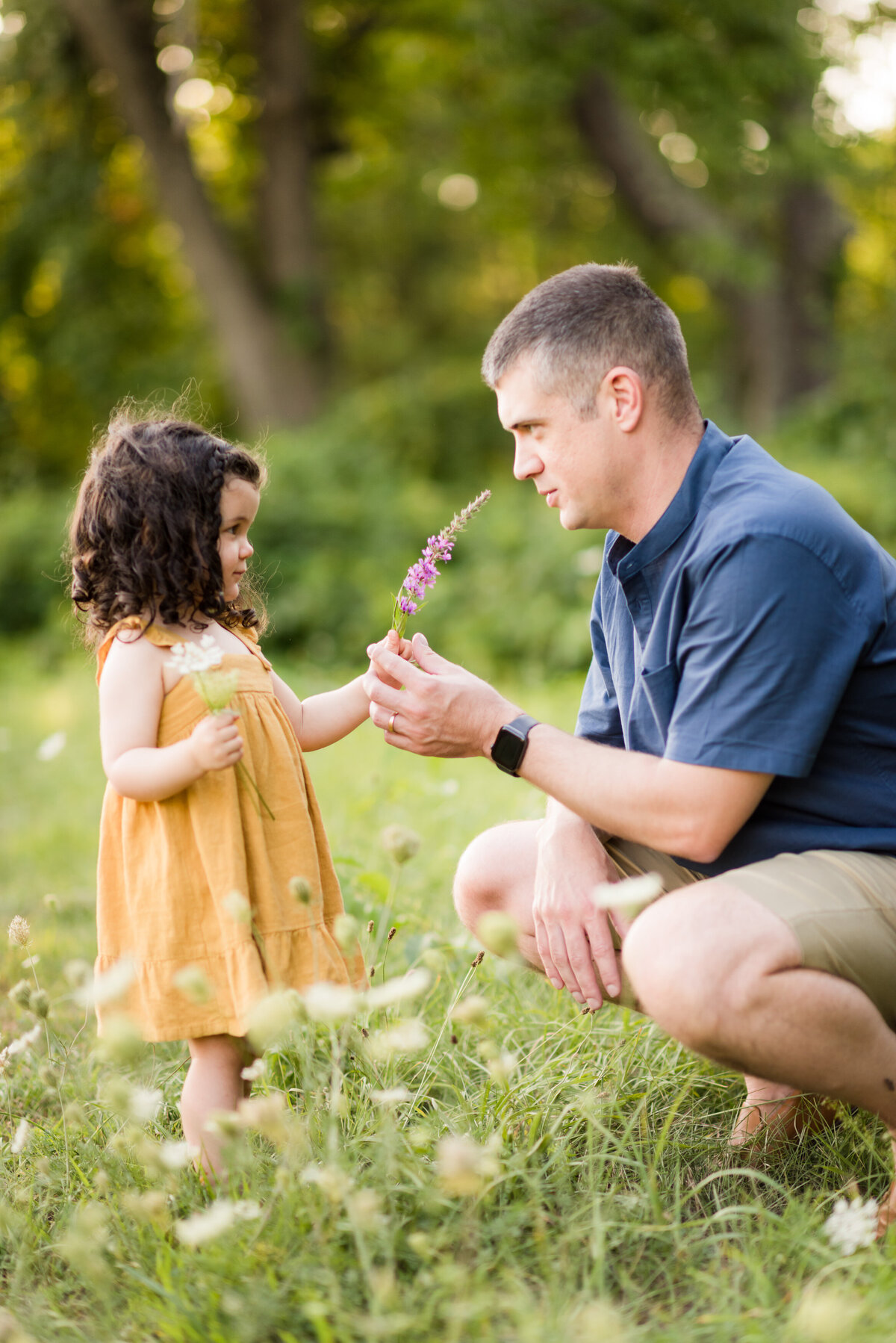 Boston-family-photographer-bella-wang-photography-Lifestyle-session-outdoor-wildflower-24