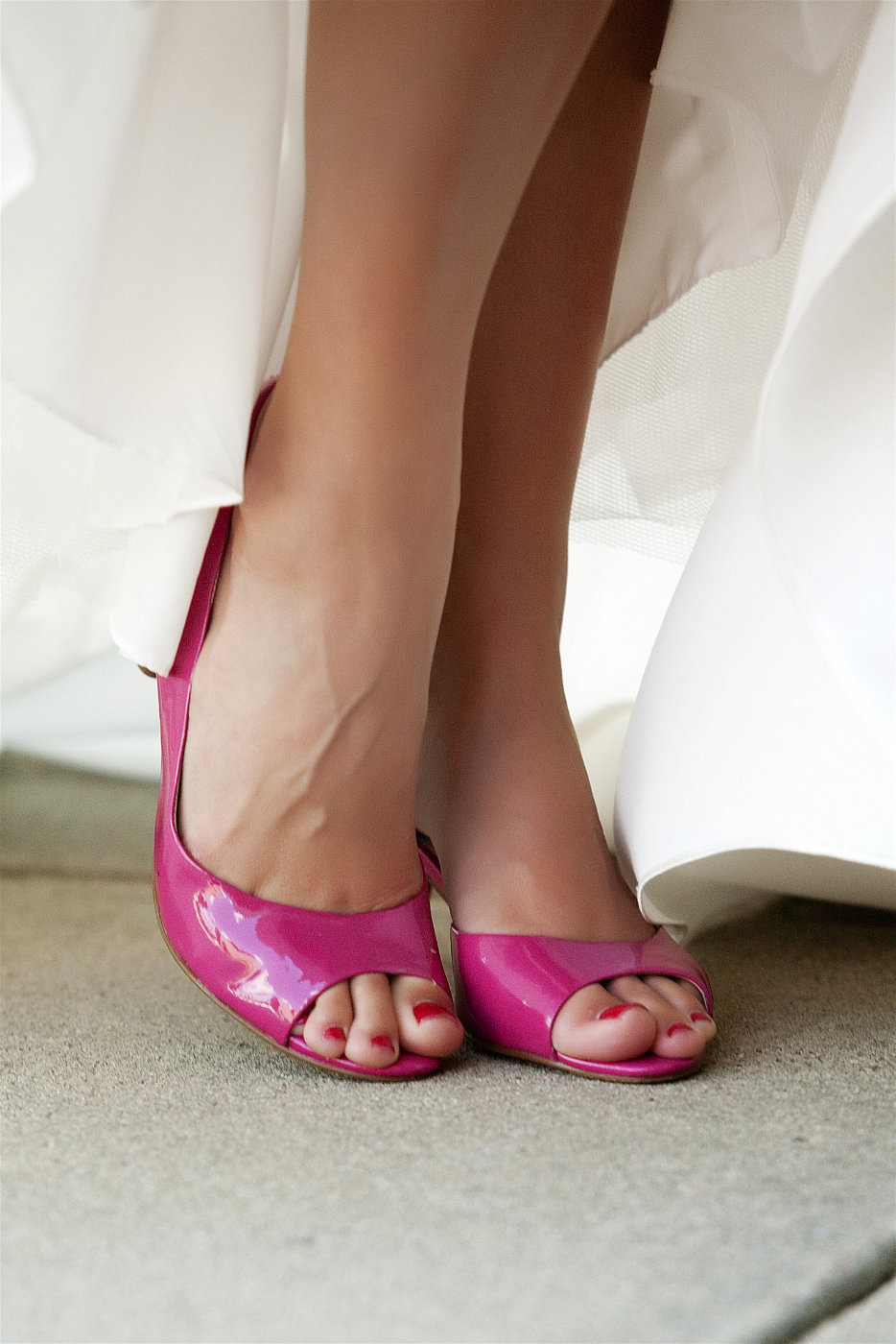 sioux falls wedding photography bride pink shoes south dakota
