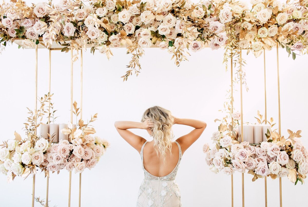 CoralPinkGoldWedding-COCObyCoversCouture-TorontoWeddingFlowers-PT.jpg19