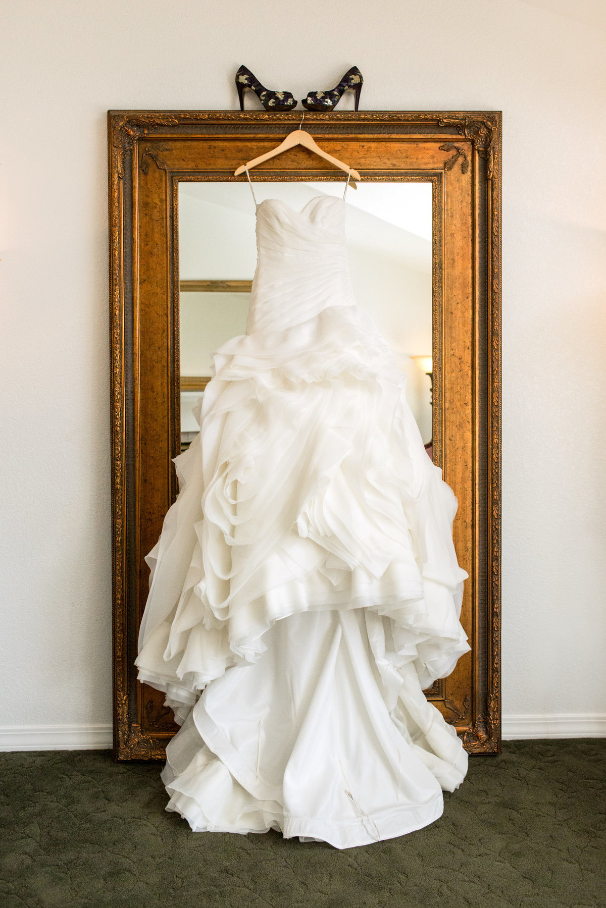 lionscrest-manor-wedding-dress