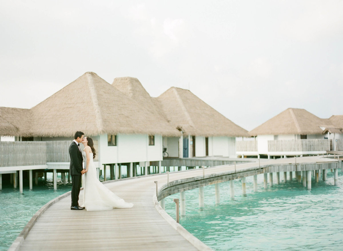3-KTMerry-destinationwedding-Maldives-bungalows