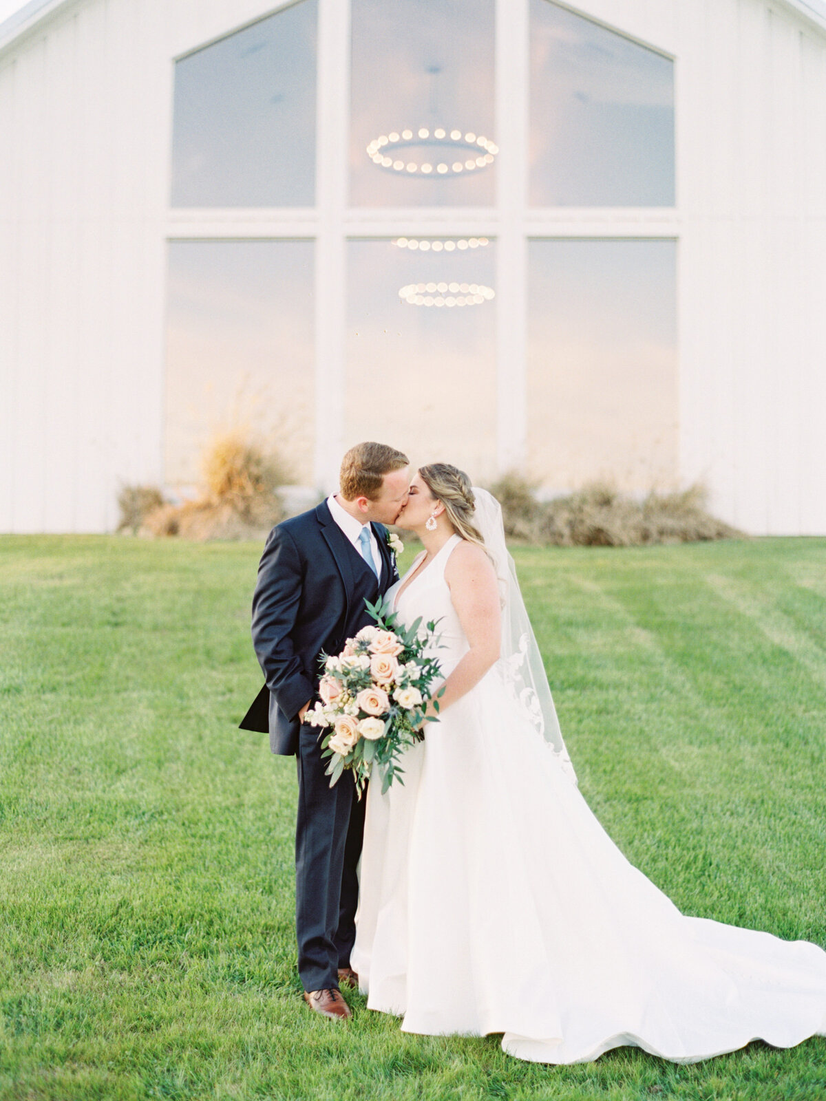the-farmhouse-wedding-houston-texas-wedding-photographer-mackenzie-reiter-photography-6