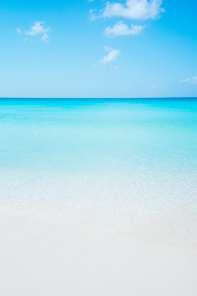 blue water of anguilla