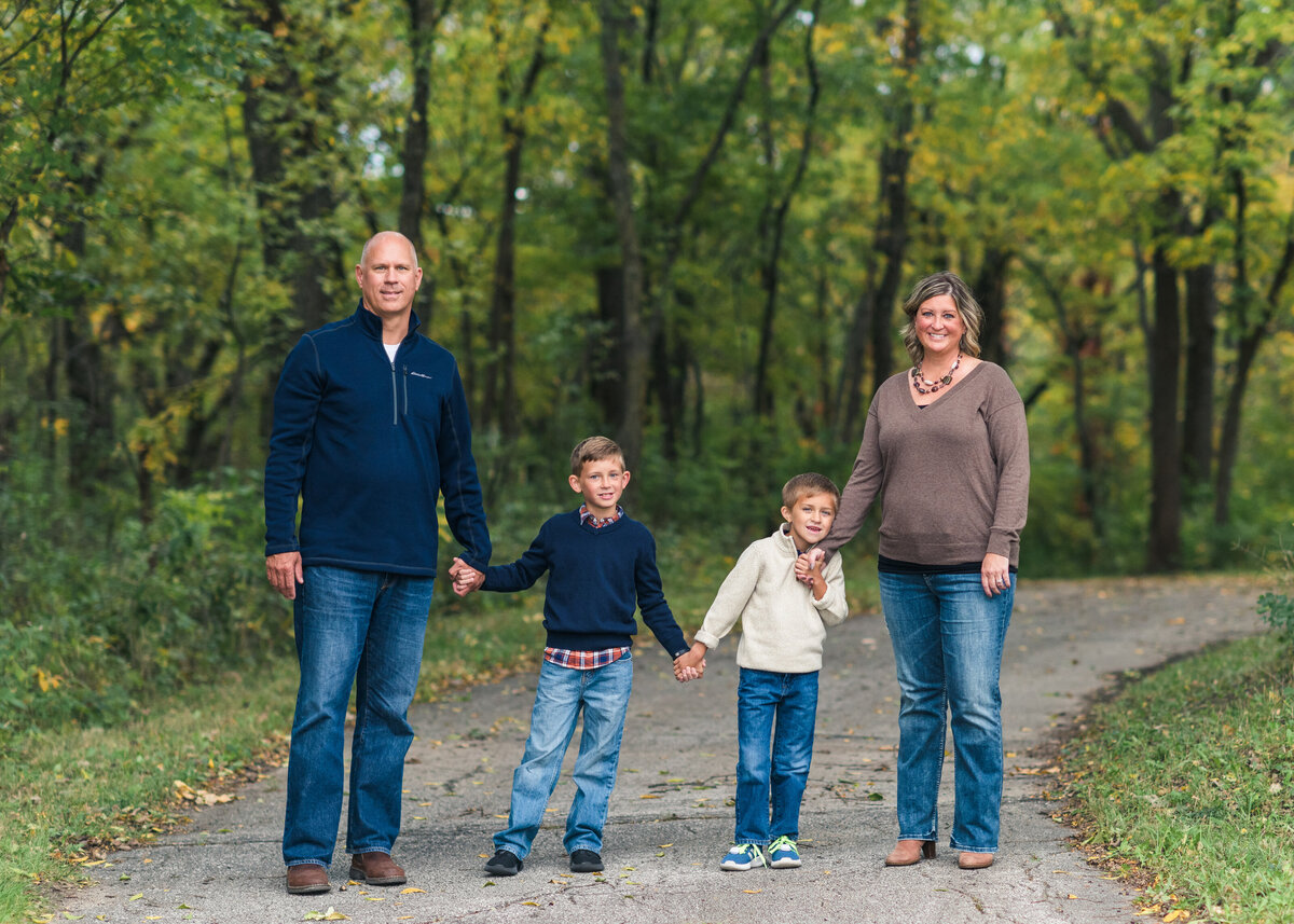 Des-Moines-Iowa-Family-Photographer-Theresa-Schumacher-Photography-Fall-Park