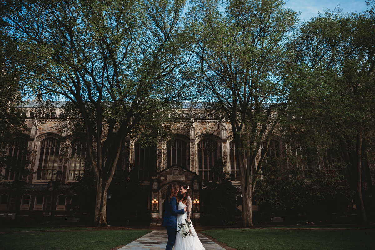 law-quad-university-of-michigan-wedding-ann-arbor-wedding-photographer-girl-with-the-tattoos-wedding-photographer-michigan-wedding-photographer