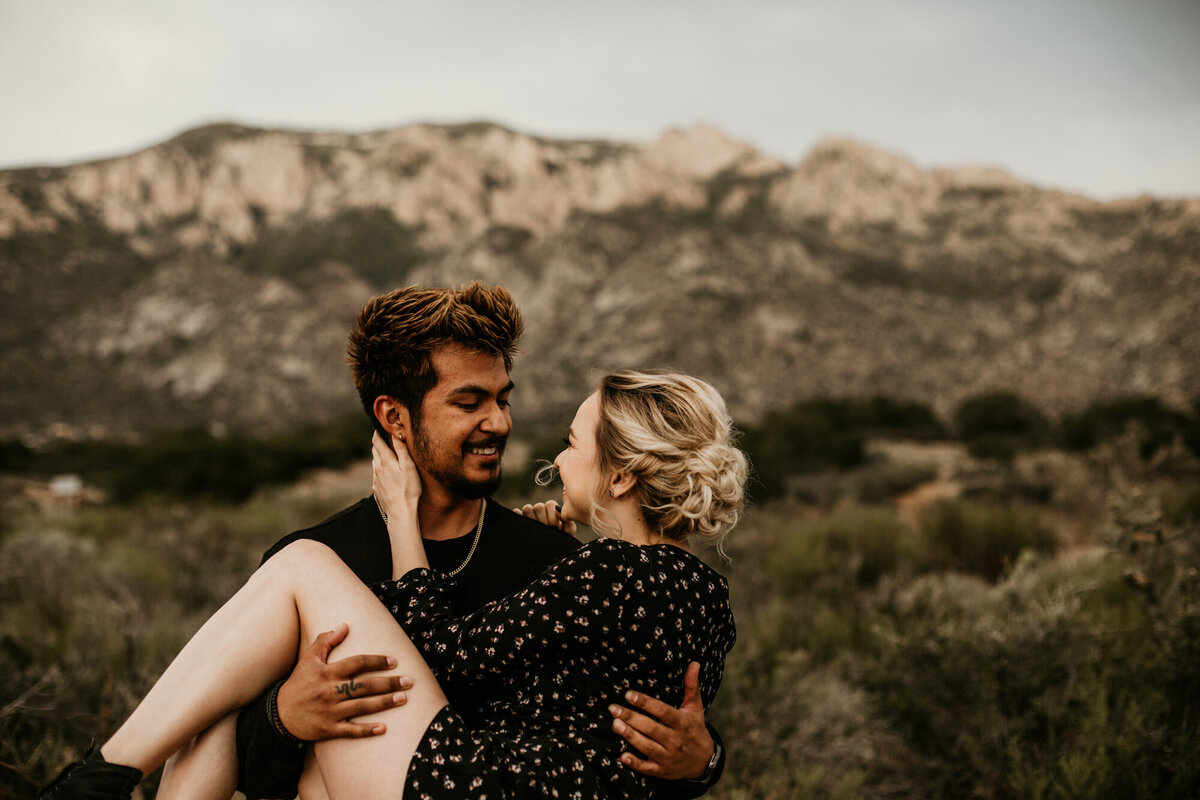 Sandia-Foothills-Engagement-Photography-Albuquerque-12