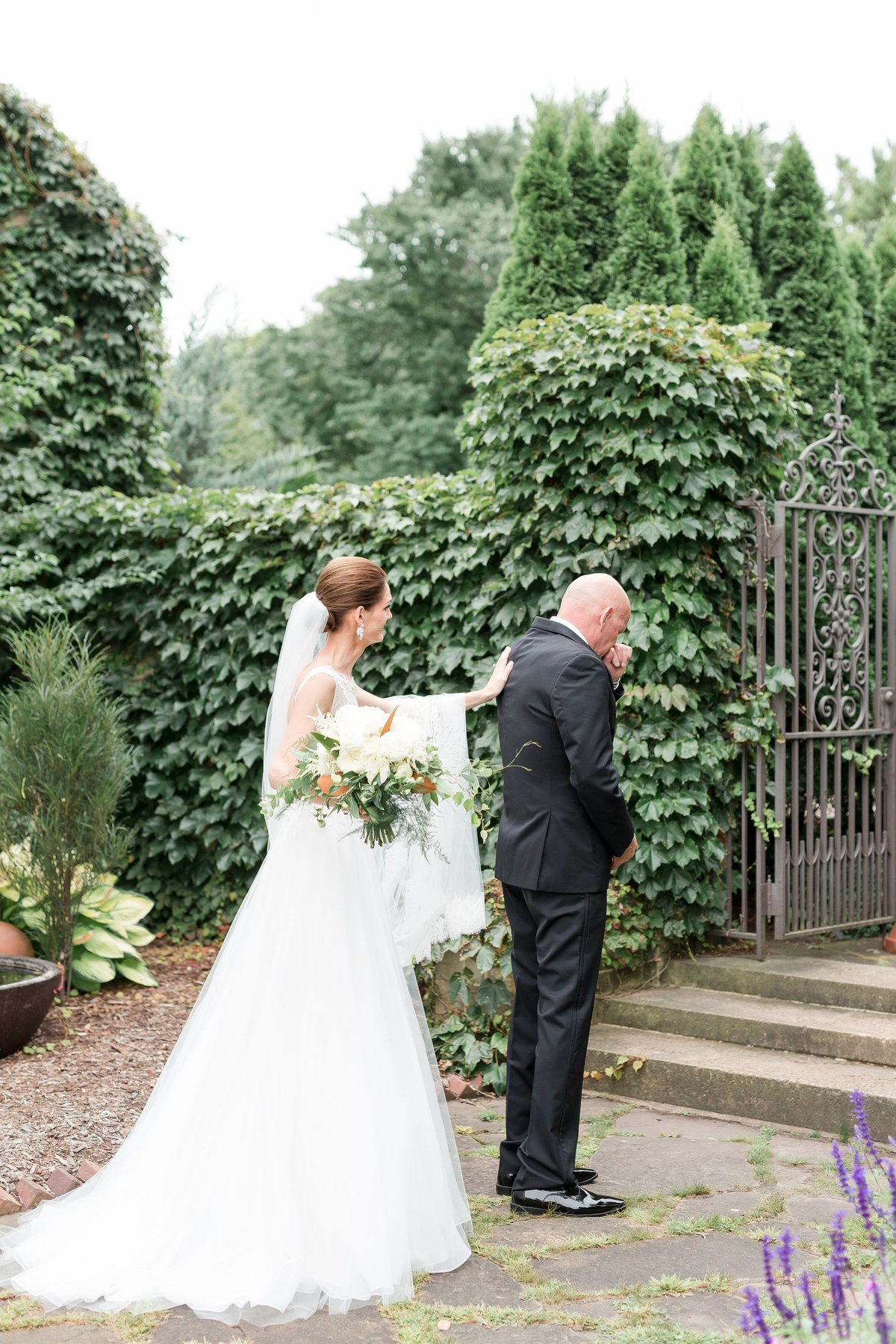 Maison Meredith Photography Wisconsin Wedding Photographer Real Wedding One 014