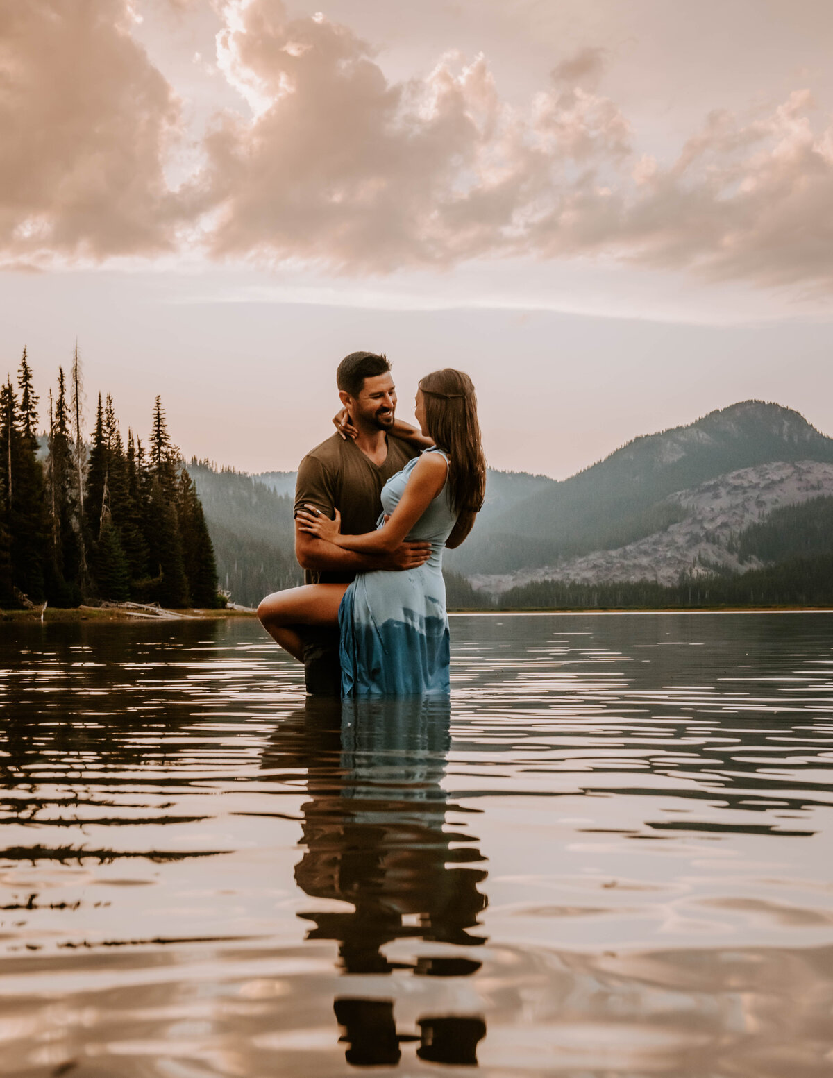 sparks-lake-oregon-couple-photographer-elopement-bend-lakes-bachelor-sisters-sunset-6215