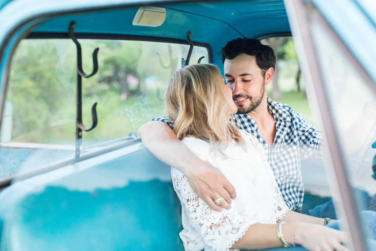 New-Braunfels-Engagement-Photos-1