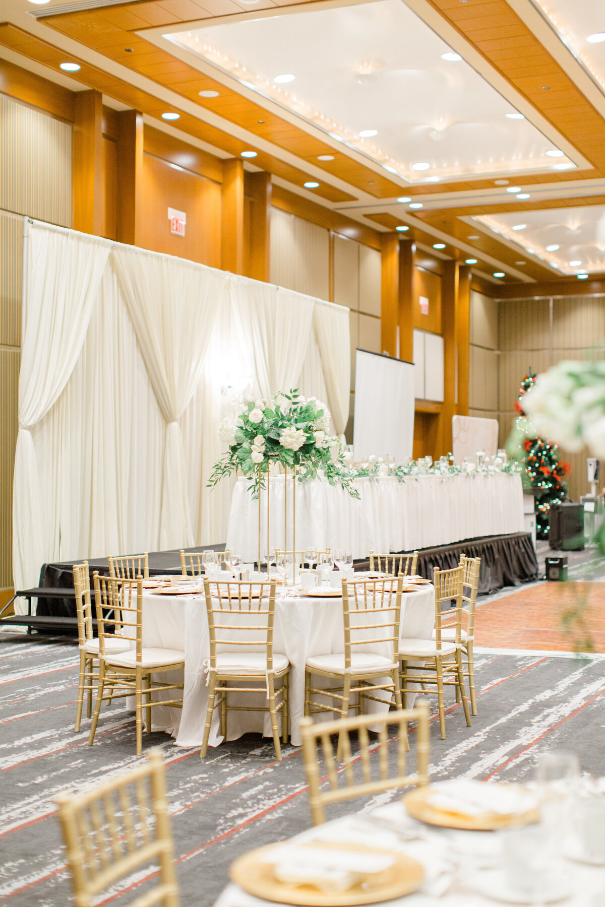 gold-white-black-tie-theme-NYE-wedding-2019-brookstreet-hotel-kanata-ontario-grey-loft-studio-28