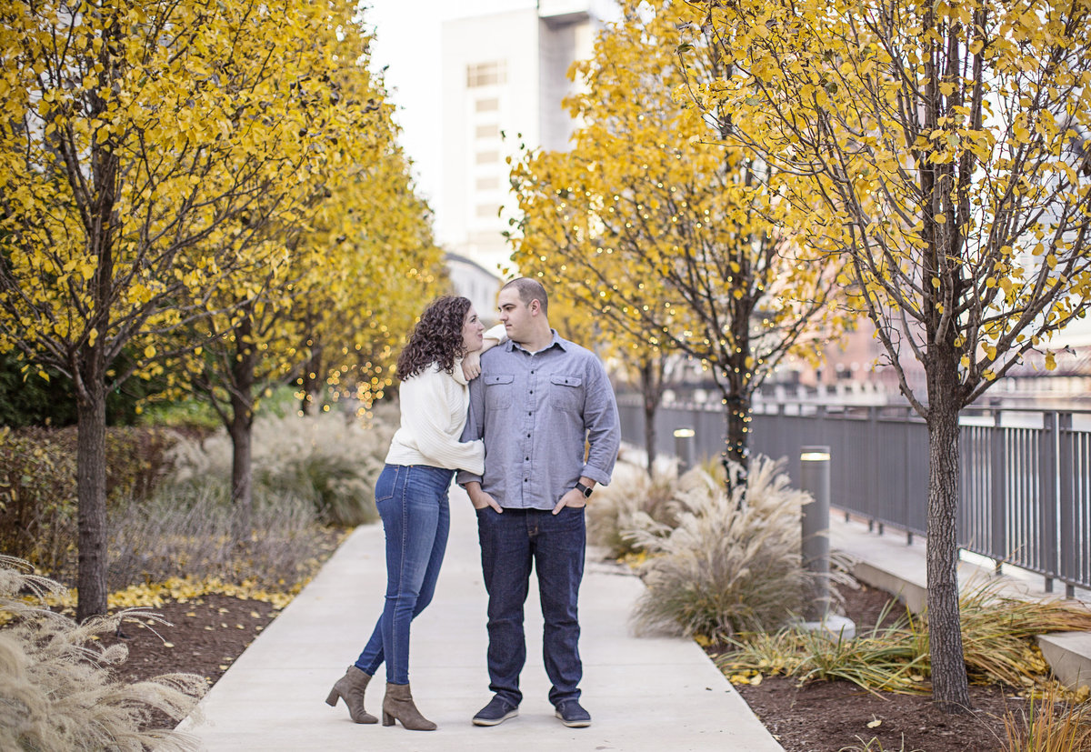 engaged couple chicago engagement photos