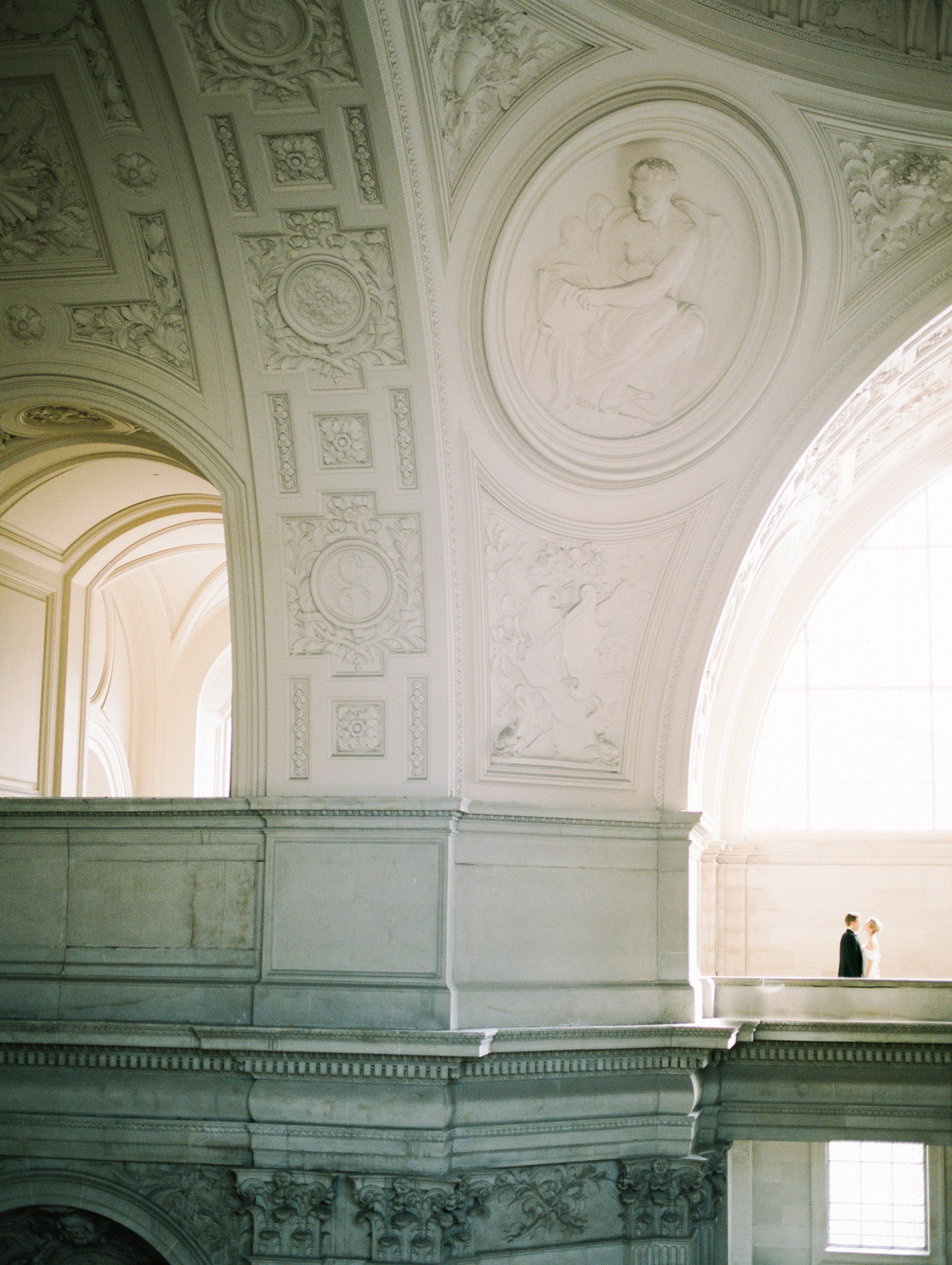 SanFranciscoCityHallWeddingPhotographer_SanFranciscoCityHallWedding_2019-Andrew_and_Ada_Photography-574