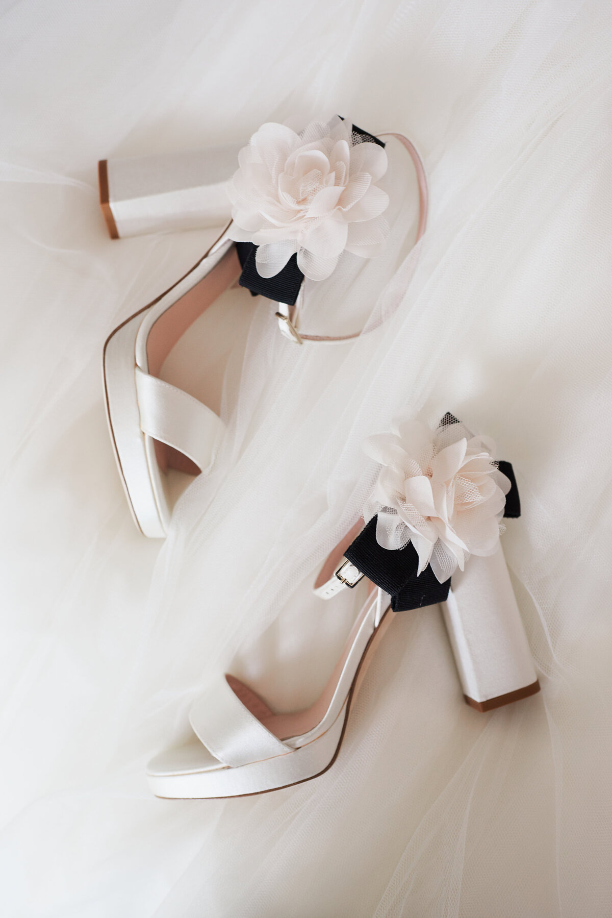 white-blush-greenery-wedding-shoes-05