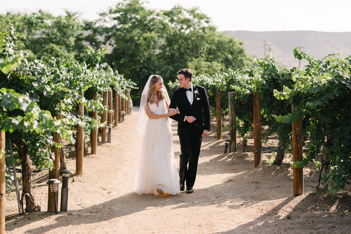 Winery Wedding Couple Photos - Leonness Cellars-10