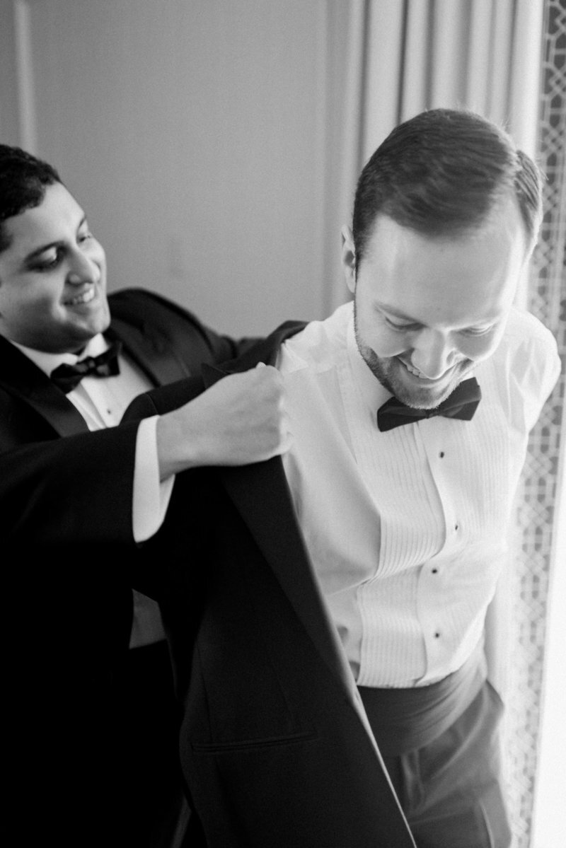 groom-getting-ready-dc-liz-fogarty