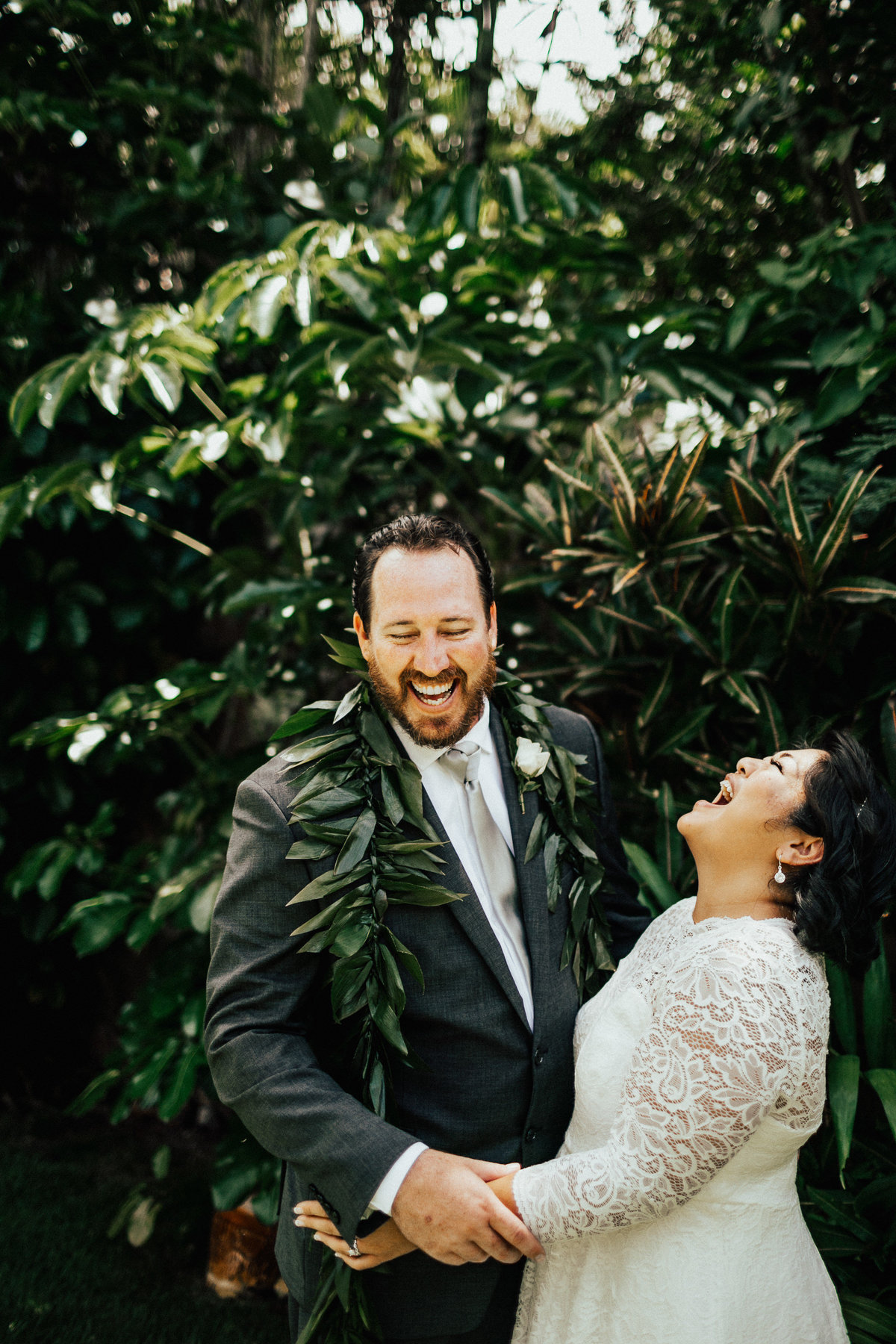 north-shore-oahu-hawaii-lindsey-roman-destination-elopement-photographer-11