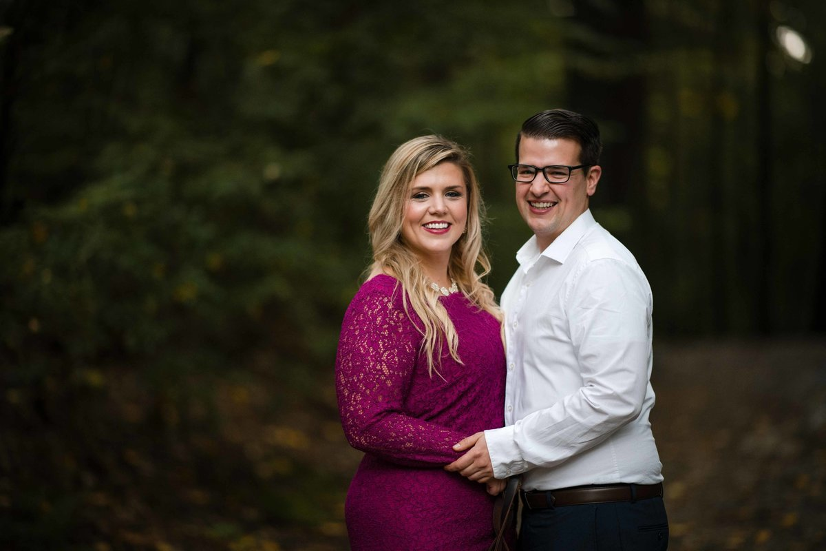 21 forest engagement photos with magenta lace dress