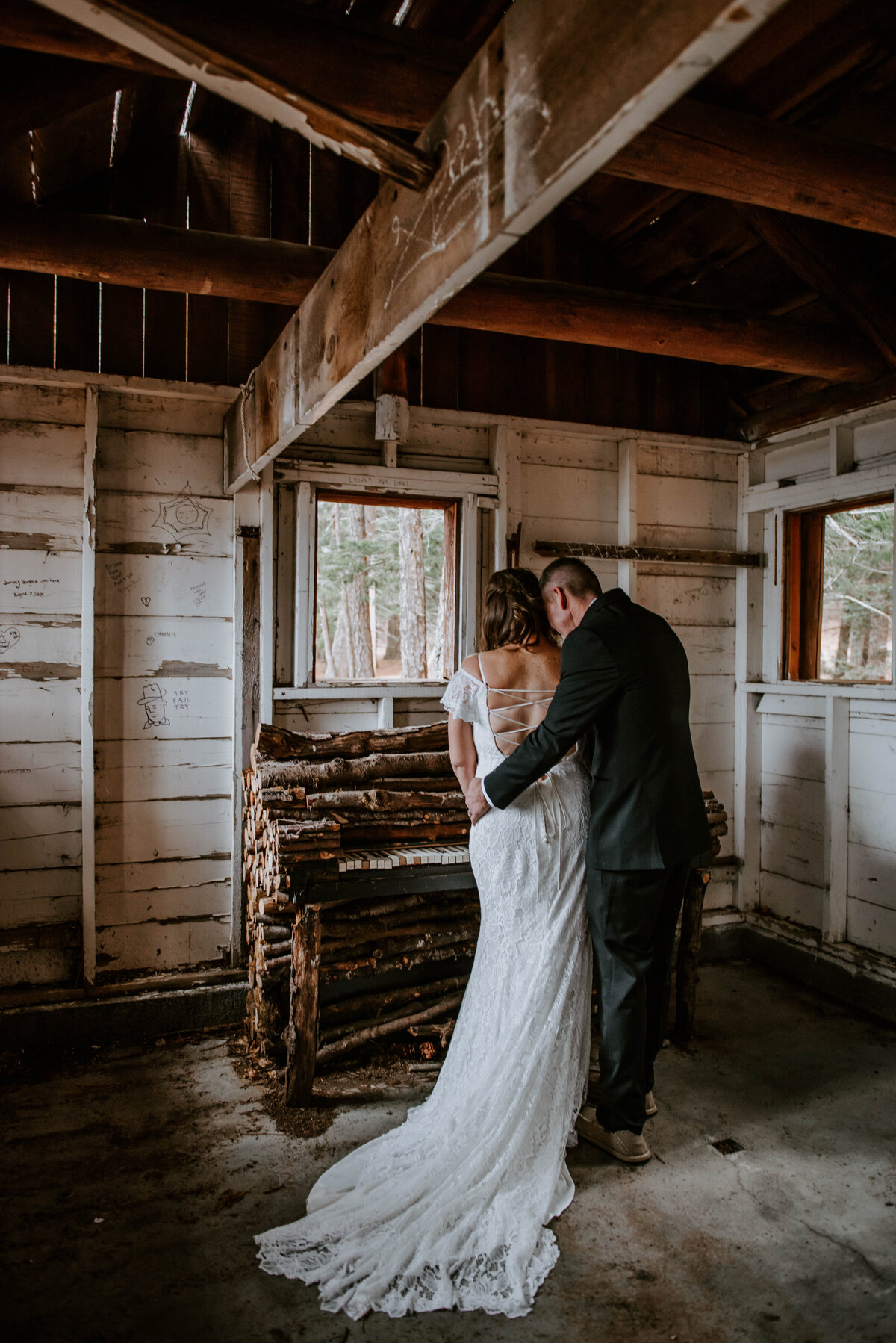 suttle-lake-sisters-oregon-lodge-woods-vow-renewal-photographer-wedding-elopement-3003