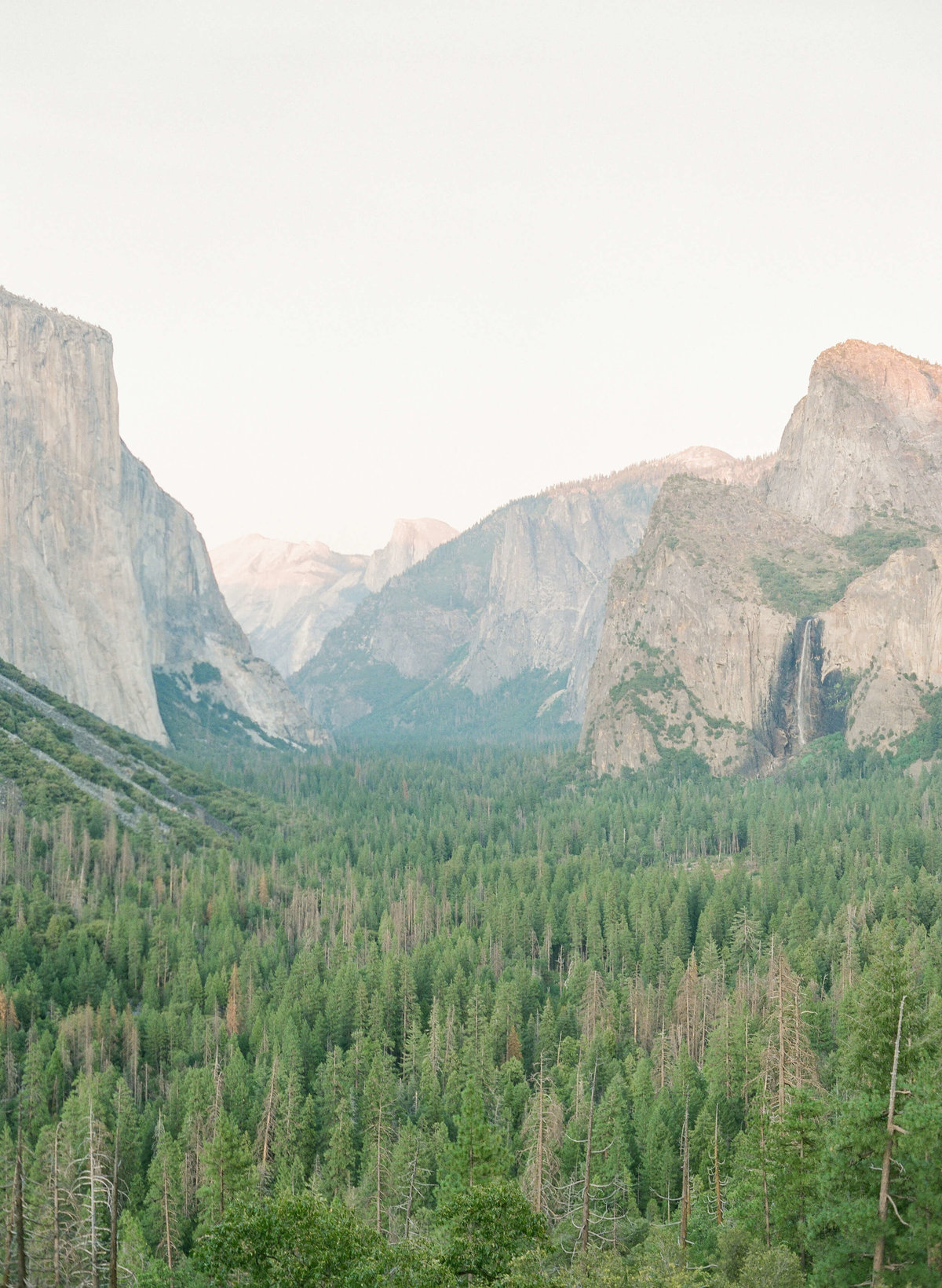 9-KTMerry-destination-engagement-photography-Yosemite-view