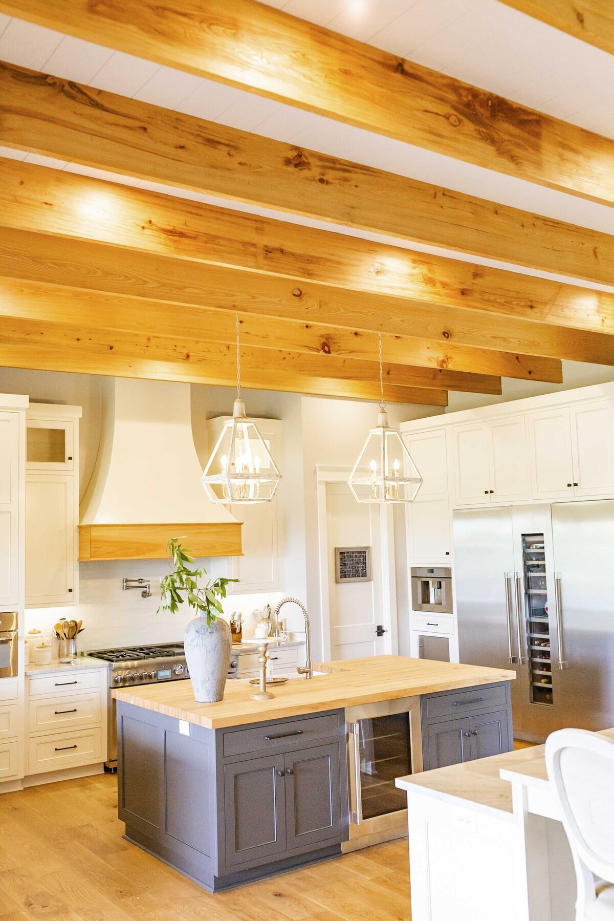kitchen-wood-beams-white-cabinets-grey-island5