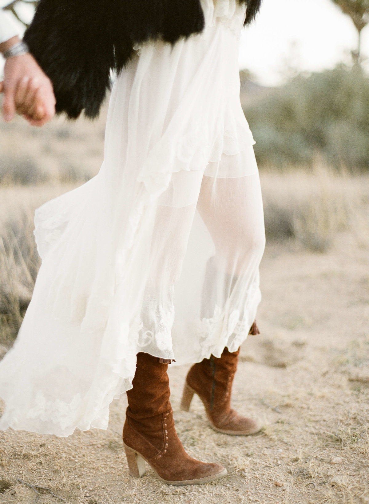 28-KTMerry-engagement-photography-chloe-fashion-Joshua-Tree