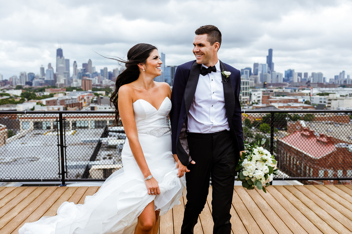 Chicago-Skyline-Lincoln-Park-Wedding