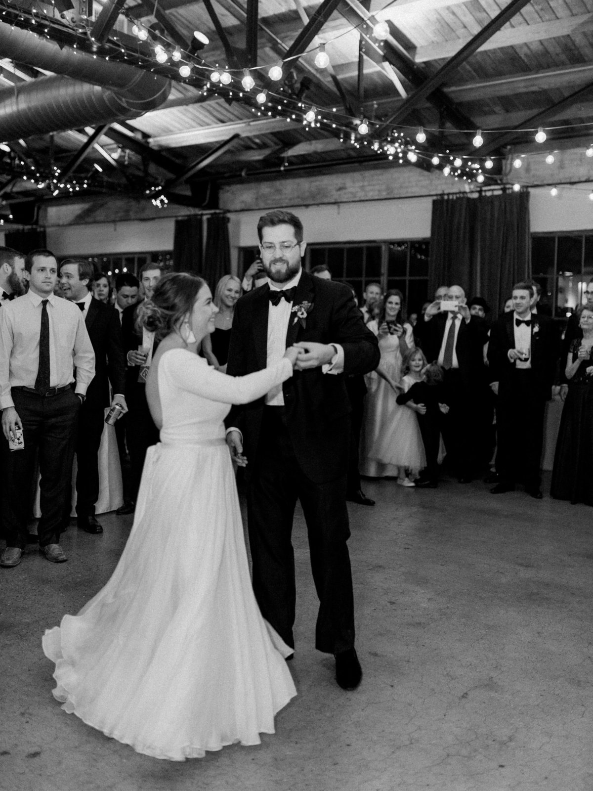 Courtney Hanson Photography - Festive Holiday Wedding in Dallas at Hickory Street Annex-1310