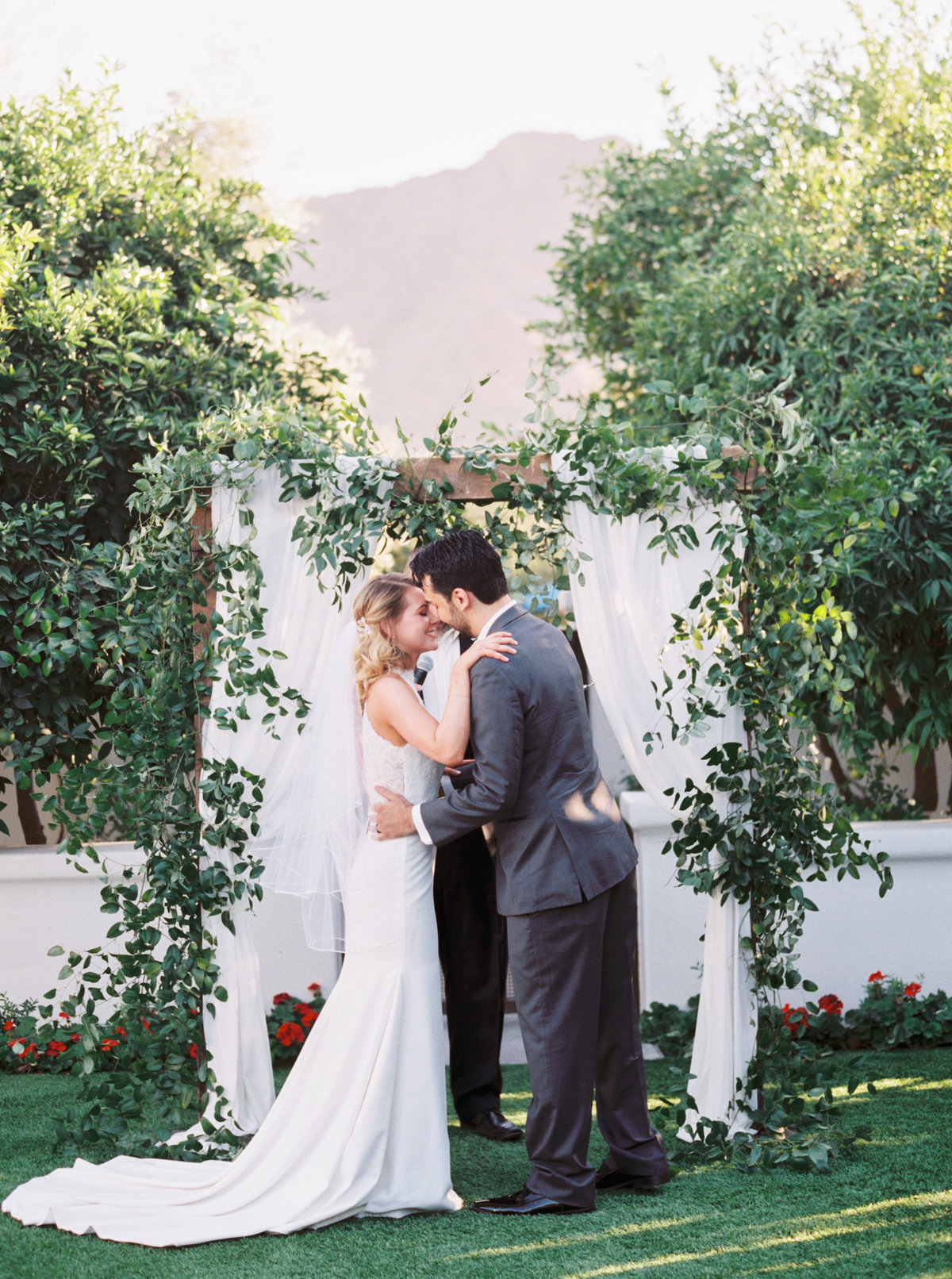 El Chorro Scottsdale Wedding - Mary Claire Photography-34