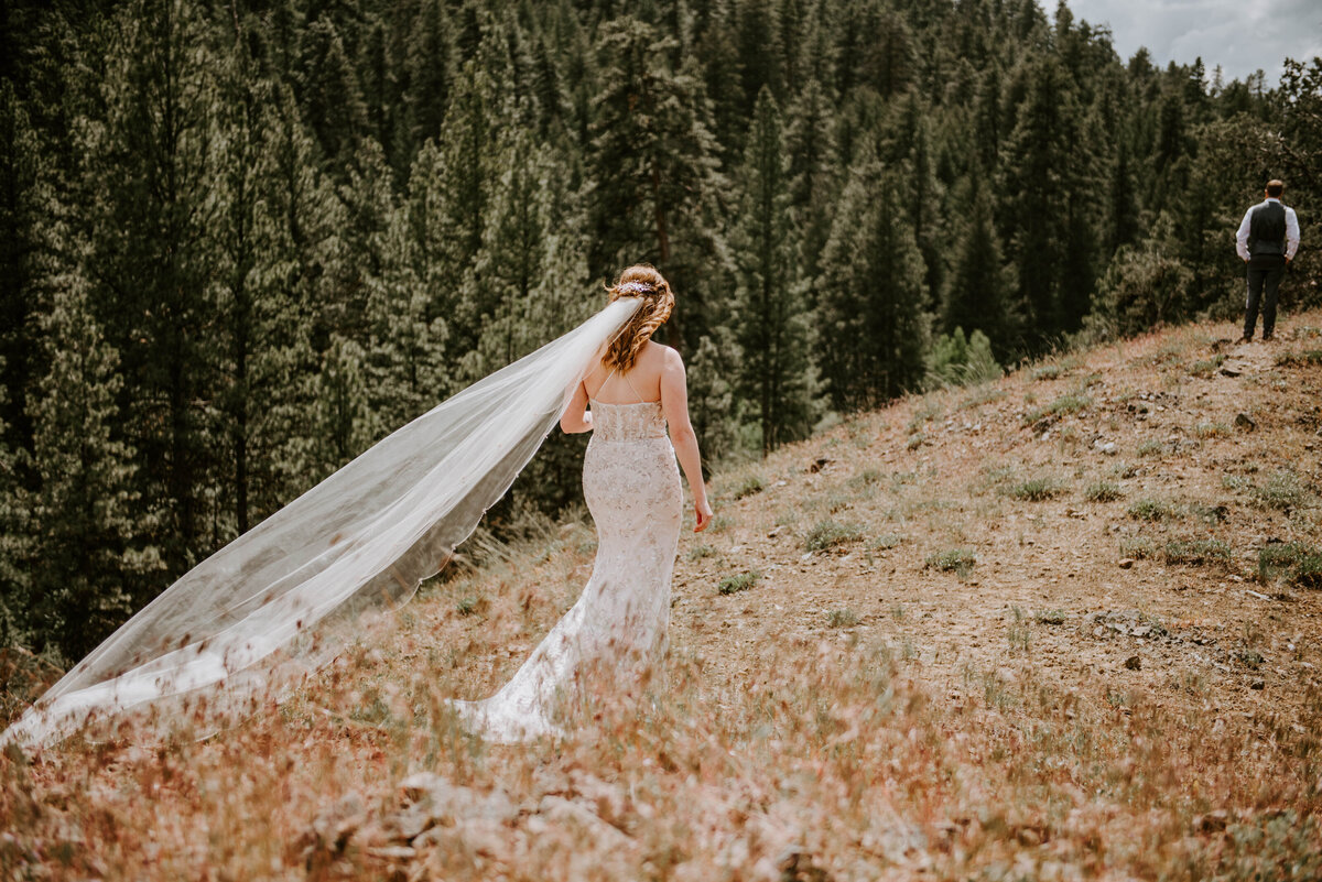ochoco-forest-central-oregon-elopement-pnw-woods-wedding-covid-bend-photographer-inspiration0809
