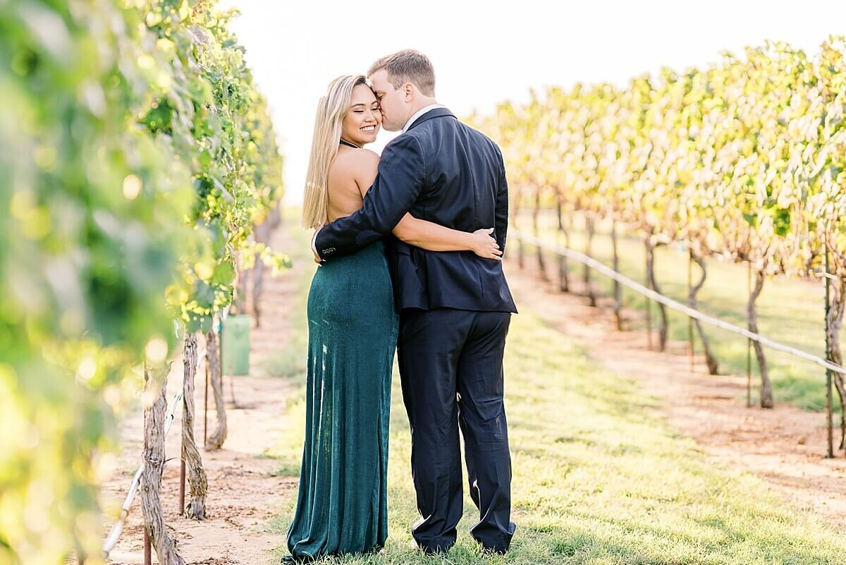 Texas-Hill-Country-Vineyard-Engagement-Portrait-Session-Alicia-Yarrish-Photography_0039