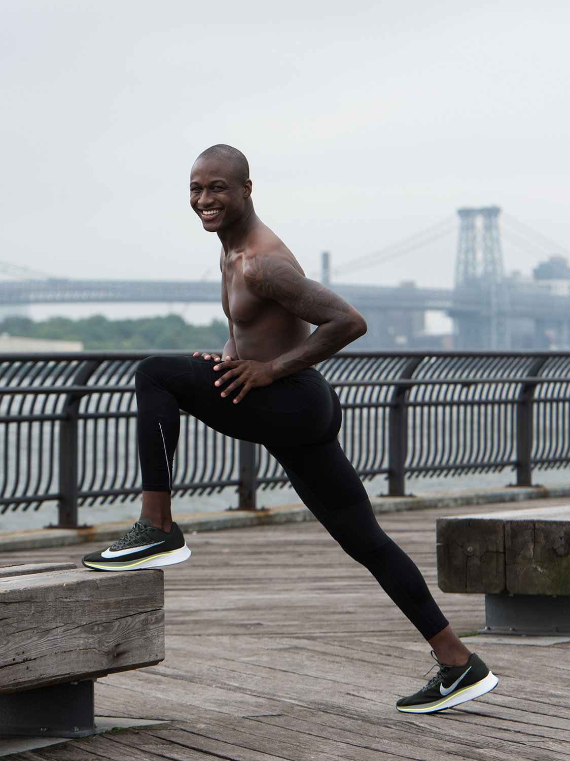 man lunge running fitness new york dumbo manhattan bridge