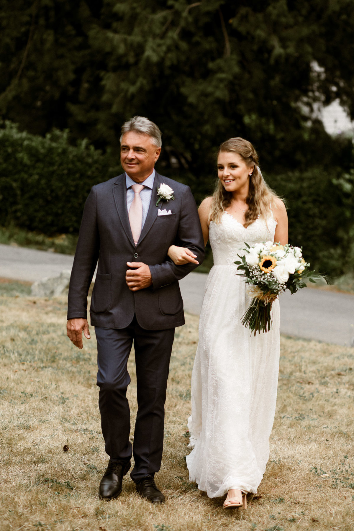 danika lee photography_kelowna vancouver okanagan summerland lake country wedding and elopement photographer candid film documentary colourful candid romantic dark and moody-627