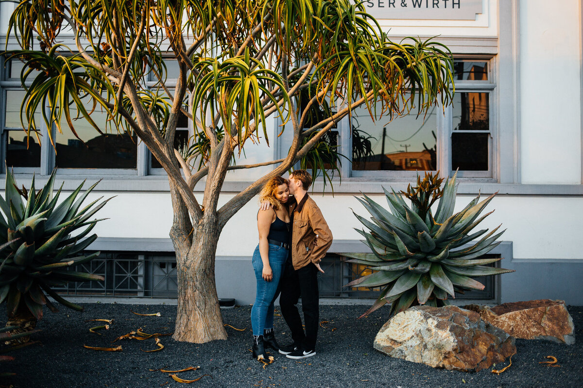 downtown-los-angeles-arts-district-engagement-photos-dtla-engagement-photos-los-angeles-wedding-photographer-erin-marton-photography-22