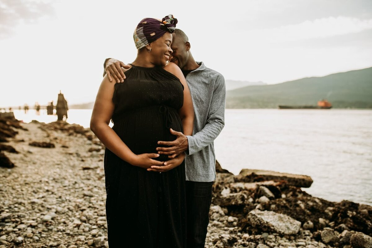 Osita-Beach-Maternity-Photography-Session-Vancouver-17_1