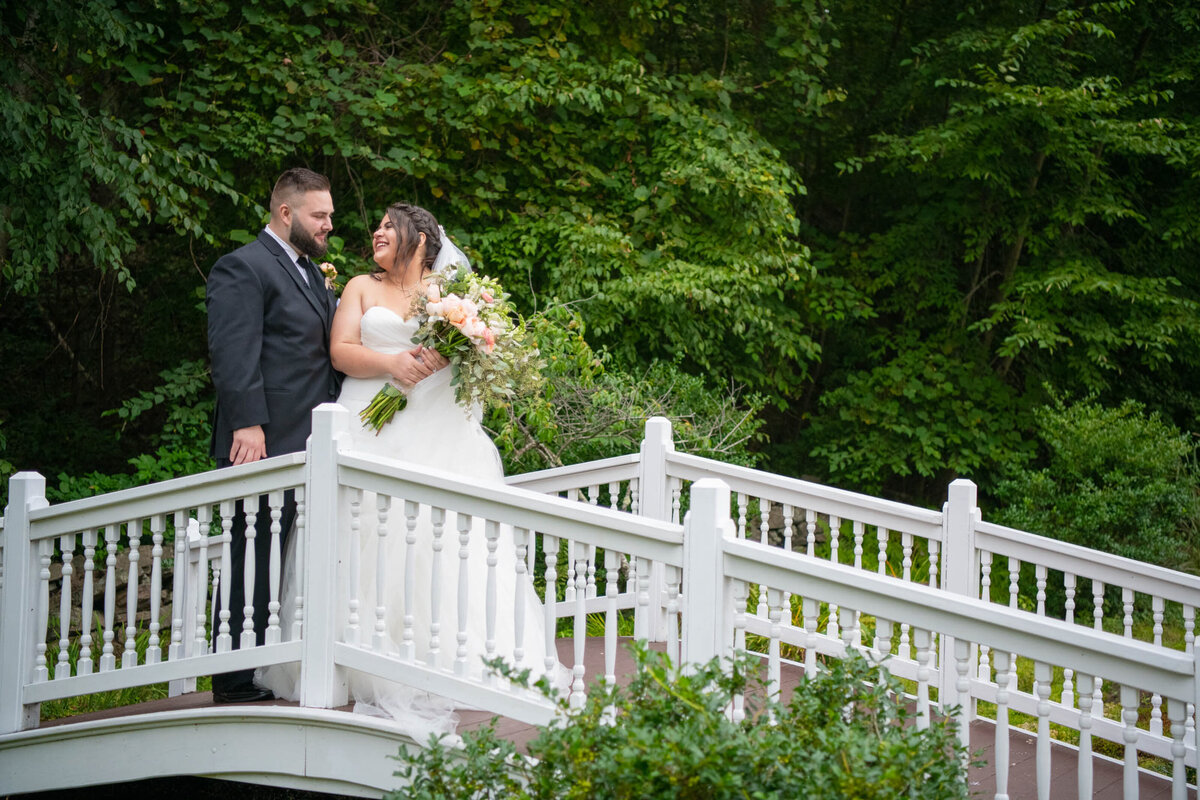 arrowhead-acres-wedding-uxbridge-massachusetts-white-bridge-bride-groom