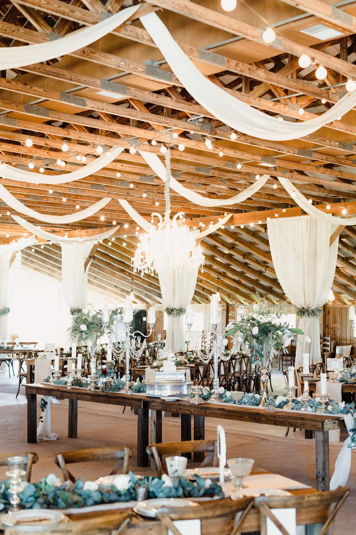 Copyright-Dewitt-for-Love-Photography-B+L-Southern-Grace-Barn-Wedding-Photographer-Florida-90