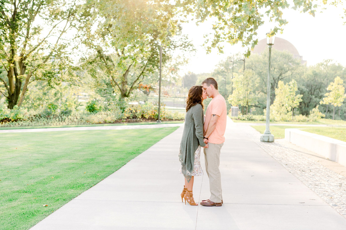 Cleveland-engagement-wedding-photographer-botanical-garden-museum-of-art025