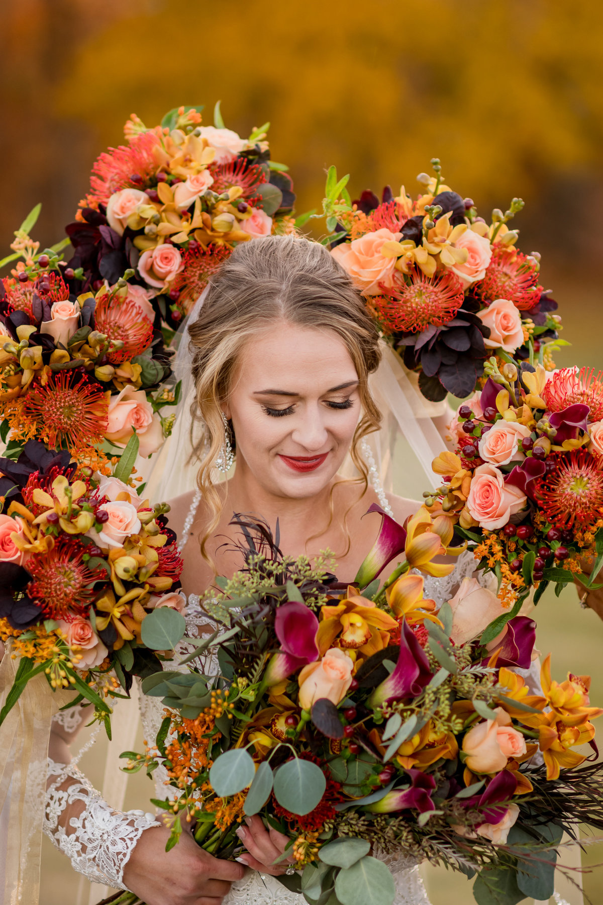 bride and bouquets fall colours