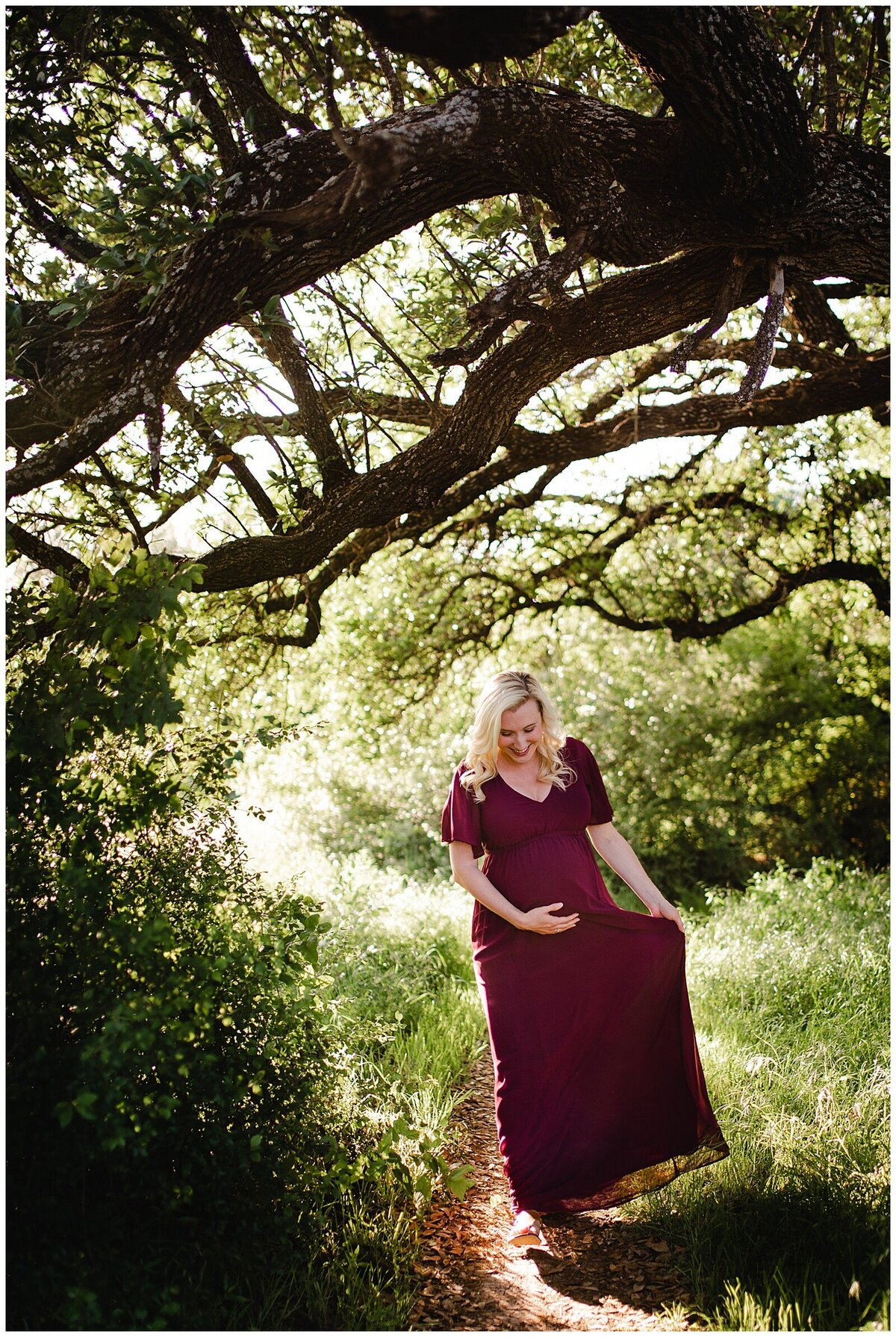 Outdoor maternity motherhood photography