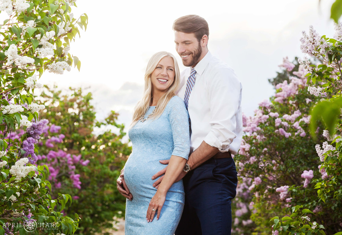 City-Park-Denver-Colorado-Maternity-Portraits-During-Spring-Blossoms-9