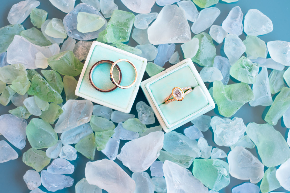 Wedding-Rings-Sea-Glass-Decor