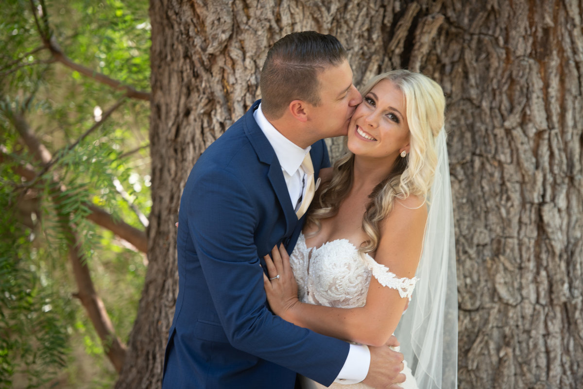 hummingbird-nest-ranch-wedding-photos-35