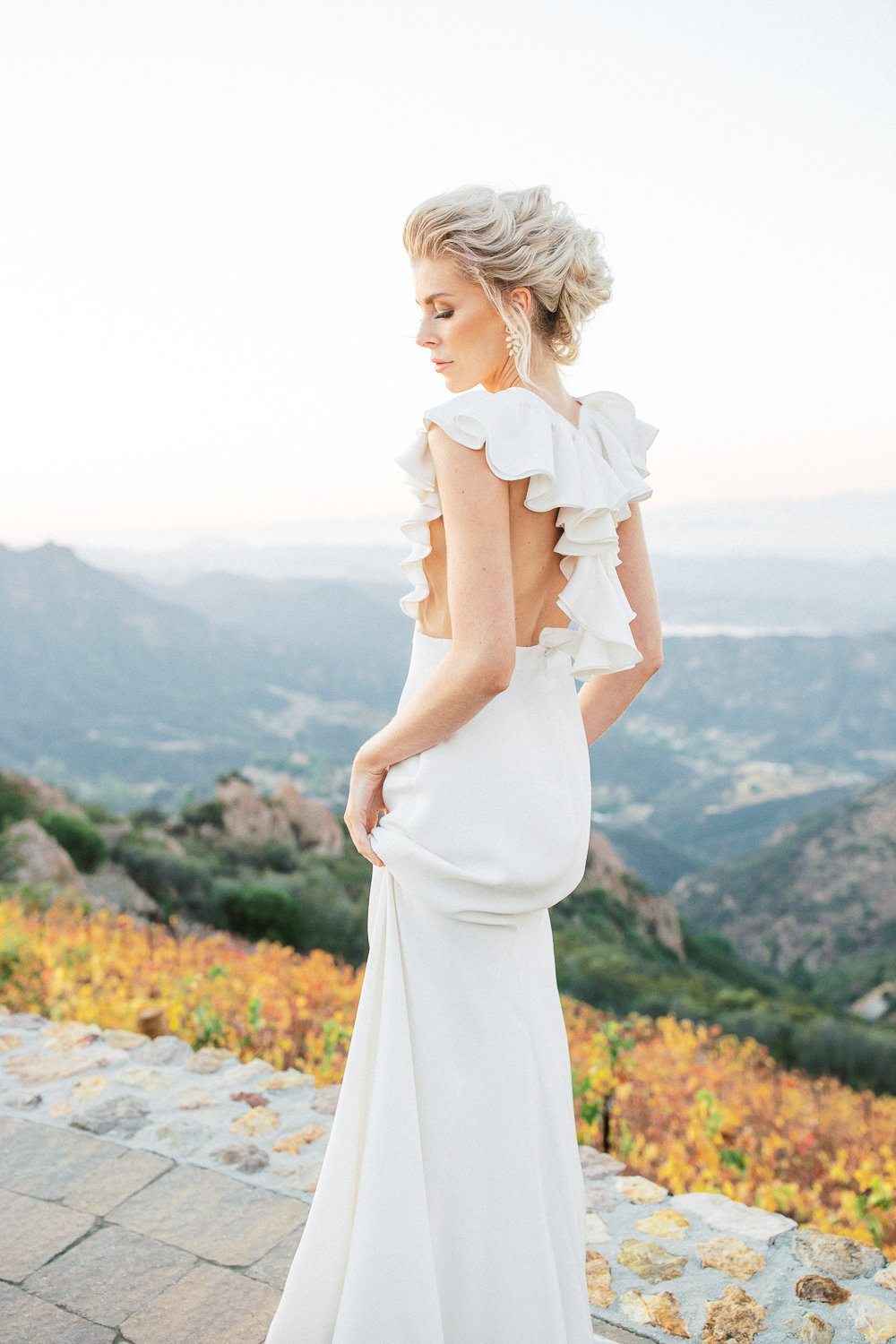Babsie-Ly-Photography-Malibu-Rocky-Oaks-wedding-Alexandra-grecco-the-dress-theory-san-diego-004