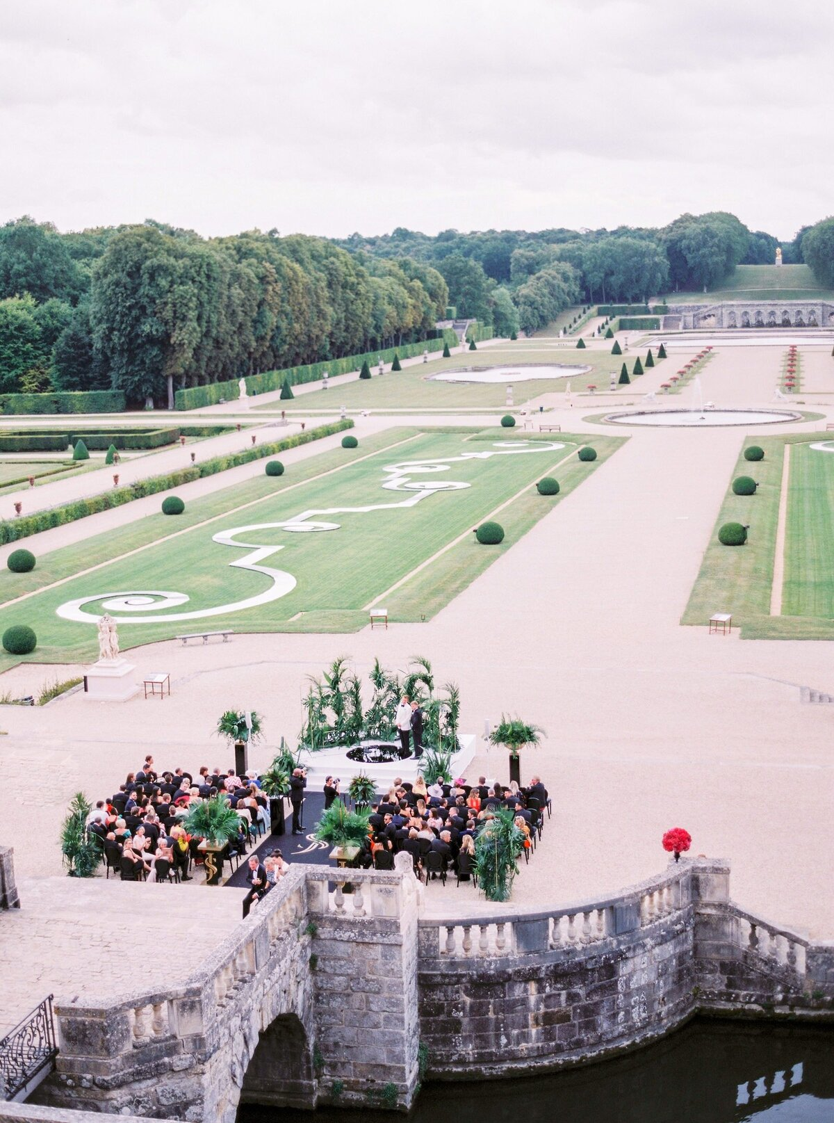 vaux-le-vicomte-luxury-wedding-phototographer-in-paris (36 of 56)
