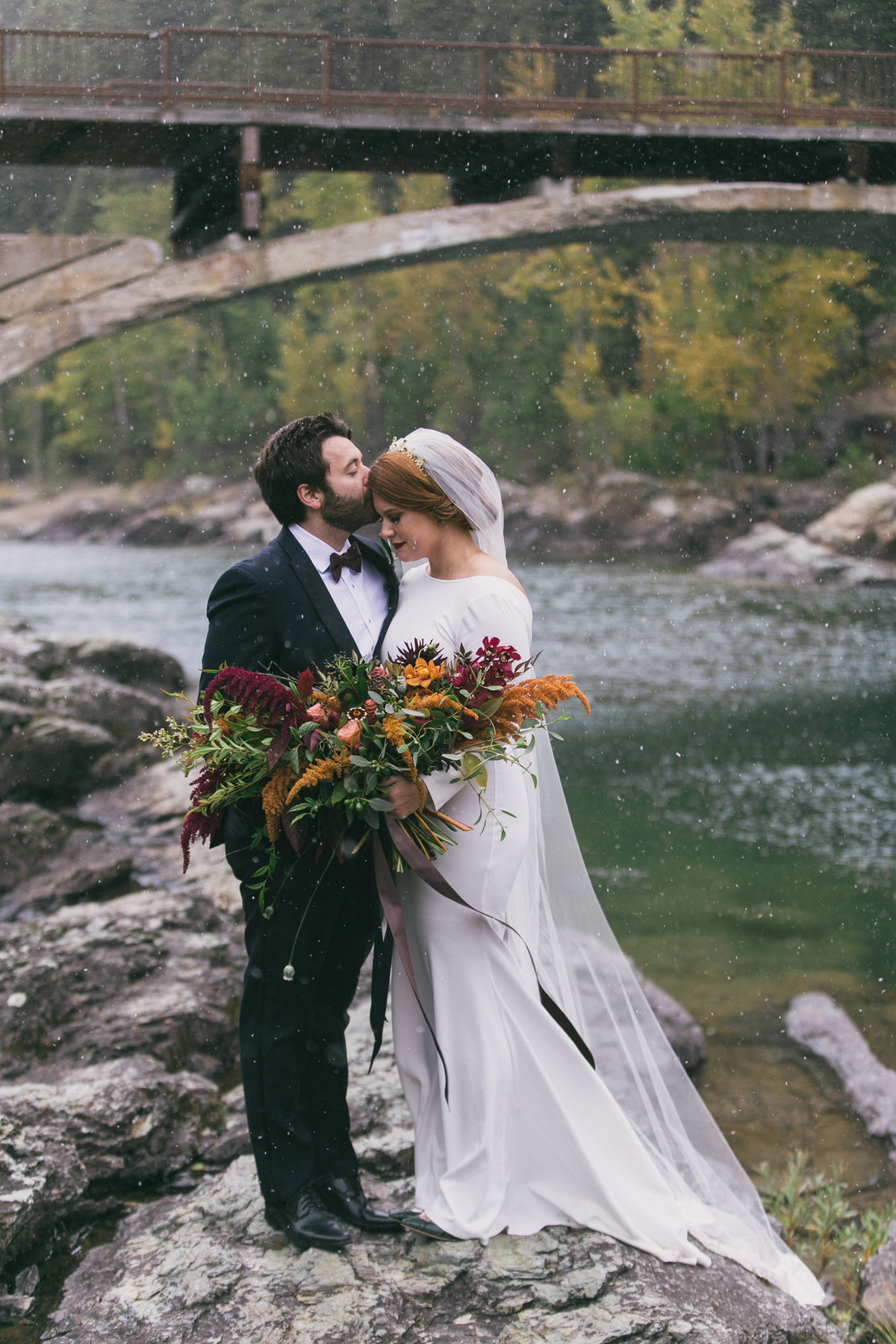 Jennifer_Mooney_Photography_Abbey_Stephen_Fall_Winter_Glacier_Park_Elopement-50