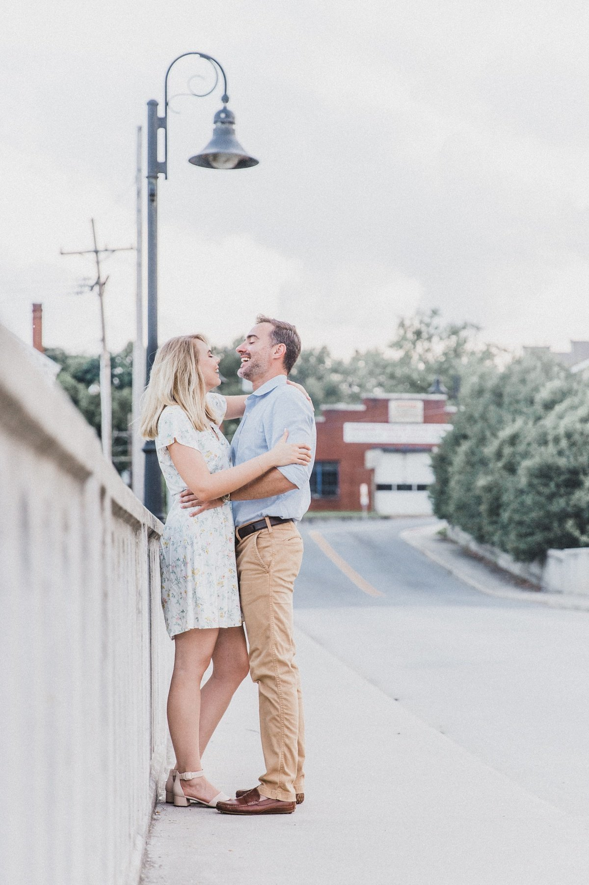 darrell-sarah-downtown-lynchburg-engagement_0034