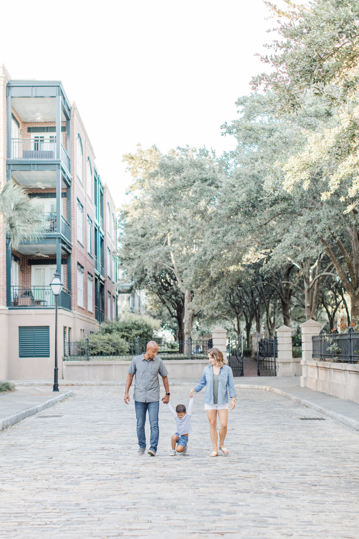 Downtown-Charleston-Family-Photos-Laura-Ryan-Photography-11
