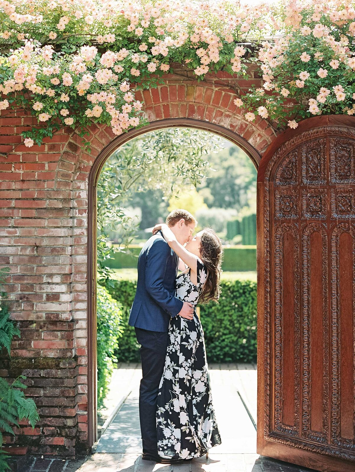 Filoli_Gardens_California_Engagement_Photo-01