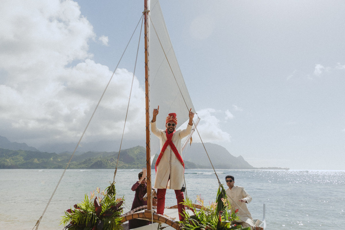 creative_modern_kauai_wedding_photographer_14